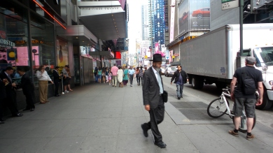 amish jewish man travel new york city
