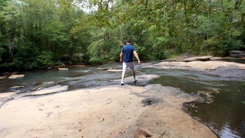 twotonetheartist hiking travel atlanta path