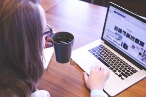 coffee woman laptop
